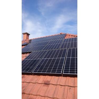 Kulcsrakész napelemes rendszer 1 fázis 4kW Fronius inverterrel Qcells napelemmel cseréptetőre